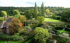 Picture Park, the view from the top, Sissinghurst Castle Garden, garden, England, the bushes, trees, the ...
