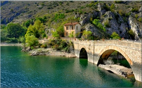 Picture Villalago, lake, bridge, Italy, mountains, house