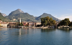 Picture trees, mountains, the city, photo, home, Italy, Lake Garda