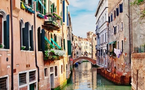 Picture building, home, Italy, Venice, channel, flowers, the bridge, Italy, bridge, Venice, Italia, Venice, balconies, canal