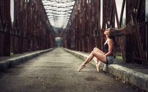 Picture girl, bridge, pose
