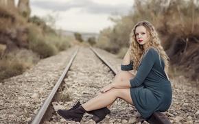 Picture girl, pose, railroad