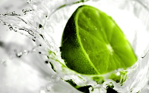 Picture squirt, freshness, lime, water drops