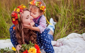 Picture love, mom, daughter, wreaths