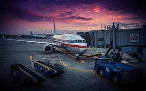 Picture the plane, dawn, airport, USA, Chicago, American Airlines