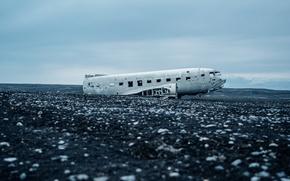 Picture the wreckage, the plane, photo, scrap, Jeff Sheldon