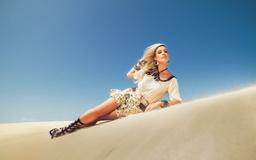 Picture sand, feet, desert, model, bracelets, sandals, Andreia Schultz