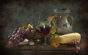 Picture wine, cheese, grapes, pitcher