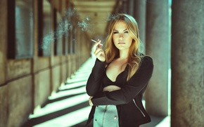 Picture Sofie Elena, smoking girl, a Ministry of health warned, Smoking is harmful to Your health