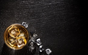 Picture glass, ice, wood, alcoholic beverage