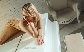 Picture white, girl, pose, room, wall, brick, chair, makeup, figure, dress, piano, blonde, piano, photographer, Denis …