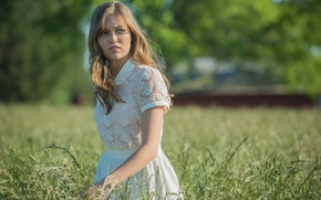 Picture the series, Banshee, Lili Simmons