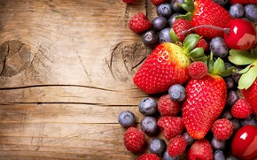Picture berries, raspberry, strawberry, blueberries