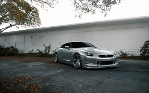 Picture autumn, asphalt, white, the building, silver, nissan, front view, Nissan, gtr, gtr, r35, silvery, leaf