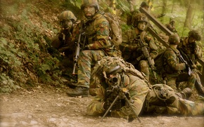 Picture weapons, soldiers, Belgian Para Commandos