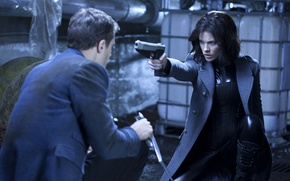 Picture cinema, Kate Beckinsale, wallpaper, girl, gun, pistol, Underworld, weapon, woman, man, survivor, movie, leather, vampire, ...