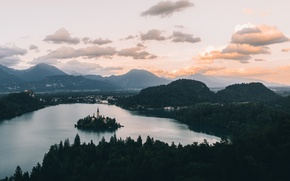 Picture clouds, the evening, lake bled