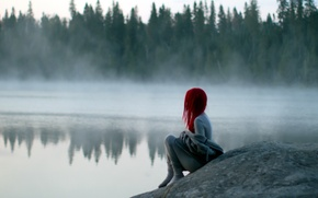 Picture girl, fog, lake