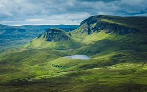 Picture lake, hills, horizon