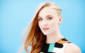 Picture actress, red, Sophie Turner