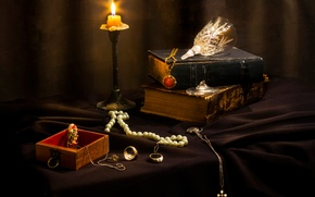 Picture decoration, books, candle, jewelry, Misfortunes