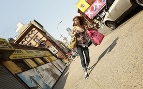 Picture creative, distortion, bags, pedestrian, street, girl, humor, romain laurent, novel Lauren, tilt