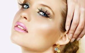 Picture girl, beautiful, very, earrings