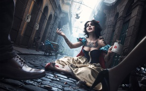 Picture look, girl, the city, people, street, tattoo, pigeons, mug, rats, tears