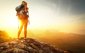 Picture the sun, mountains, backpack, kopeck piece