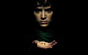 Wallpaper look, hand, ring, scared, John, The Lord, rings, Tolkien, Elijah, Wood, background, black, actor, the ...