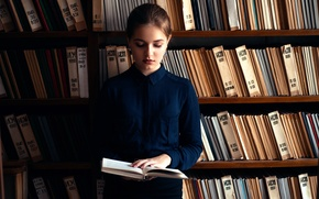 Picture girl, books, library, Lisa
