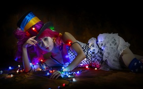 Picture girl, hat, Asian, garland, cylinder, clown