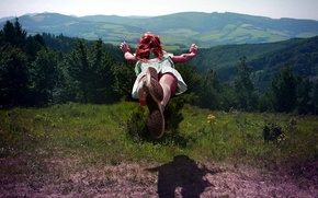 Picture GIRL, FOREST, NATURE, HILLS, GRASS, MOUNTAINS, FLIGHT, GREENS, JUMP, TREES, POSITIVE