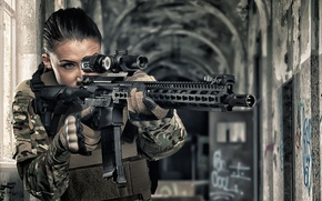 Picture girl, face, weapons, optics, assault rifle