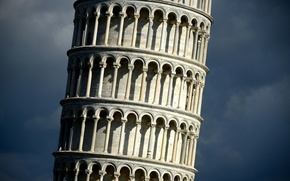 Picture the sky, Italy, Pisa, The leaning tower of Pisa