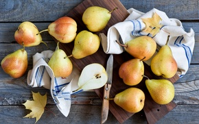 Picture leaves, towel, knife, pear