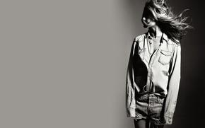 Picture the wind, hair, shorts, black and white, shirt, Jennifer Aniston, Jennifer Joanna Aniston