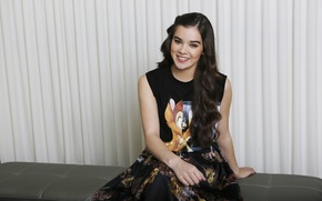 Picture photoshoot, Hailee Steinfeld, Romeo and Juliet, for the film Romeo and Juliet