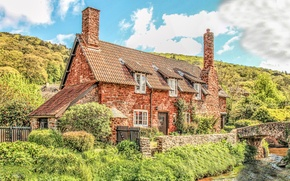 Picture the sky, the sun, clouds, bridge, house, stream, England, slope, the bushes, Somerset, All Ford