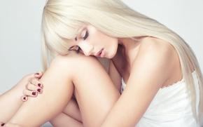 Picture girl, makeup, blonde, girl, manicure, blonde, manicure, makeup