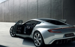 Picture coupe, the door, aston martin