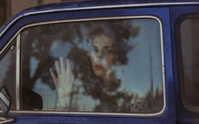 Picture look, girl, face, hand, car