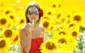 Wallpaper FLOWERS, GLASSES, BLONDE, REFLECTION, FIELD, GIRL, SUNFLOWERS, BUBBLES, SOAP