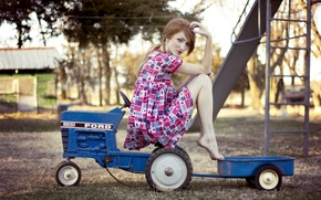 Picture girl, mood, tractor