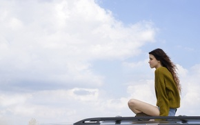 Picture roof, the sky, freedom, girl, shorts, car