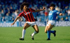 Picture retro, the opposition, Milan, players, Napoli, Diego Maradona, Italian Serie a, Ruud Gullit
