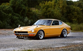 Picture wheels, yellow, Datsun, 240Z, hrome