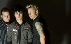 Picture green day, mike dirnt, billie joe armstrong, tre cool
