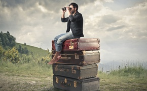 Picture binoculars, male, suitcases