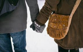 Picture hands, bag, lovers, mittens